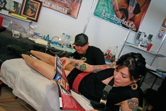 Sessão de Tatuagem