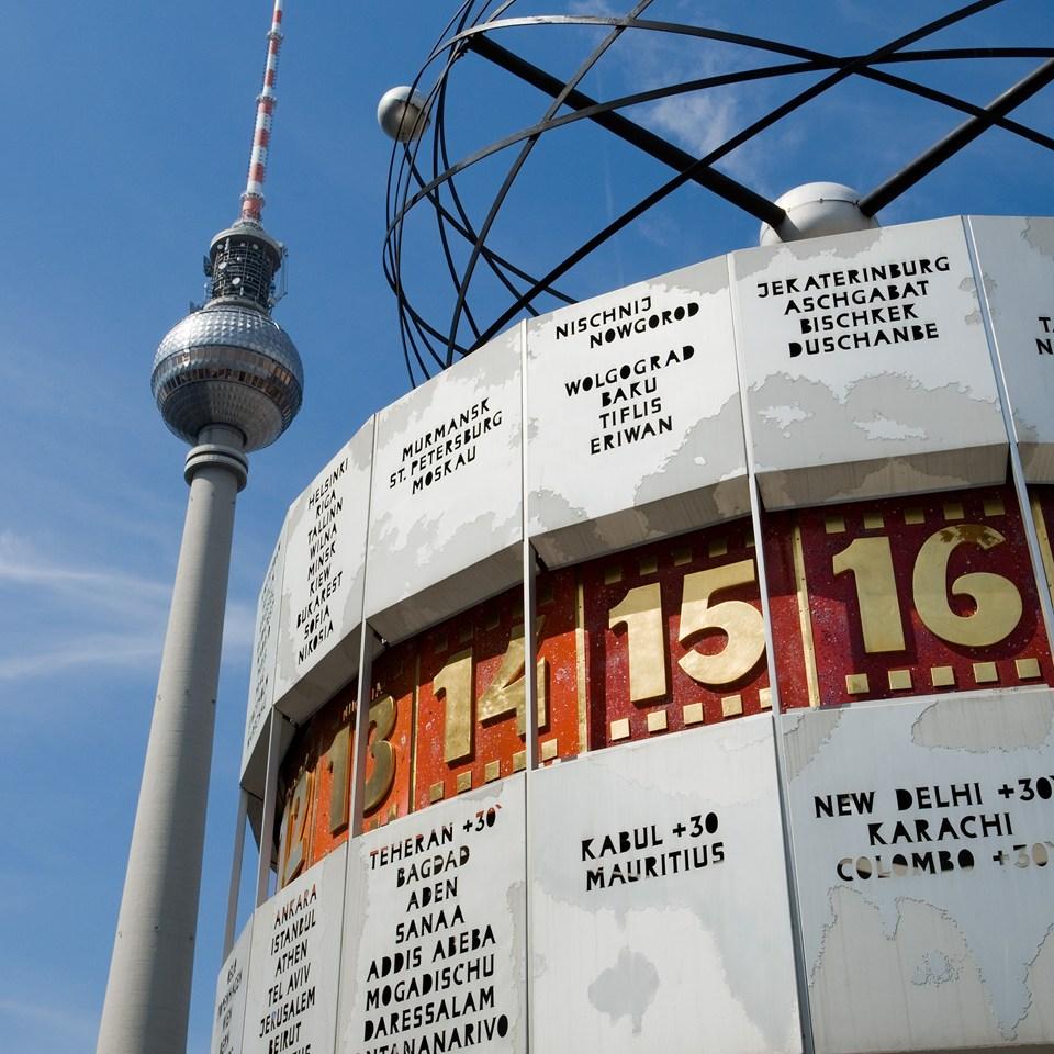 Berliner Fernsehturm e Urania-Weltzeituhr