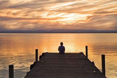 Meditar sozinho ou em grupo?