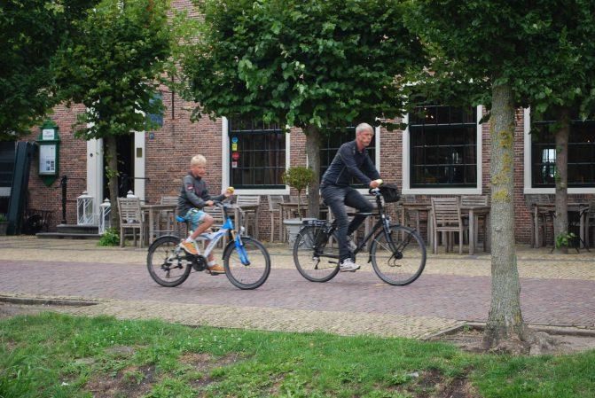Zaanse Schans versus Amsterdã